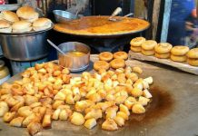 Street food Aloo Chaat