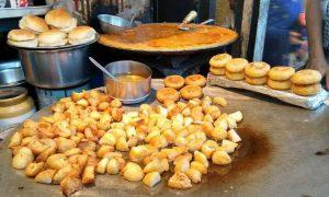 Street food Aloo Chaat