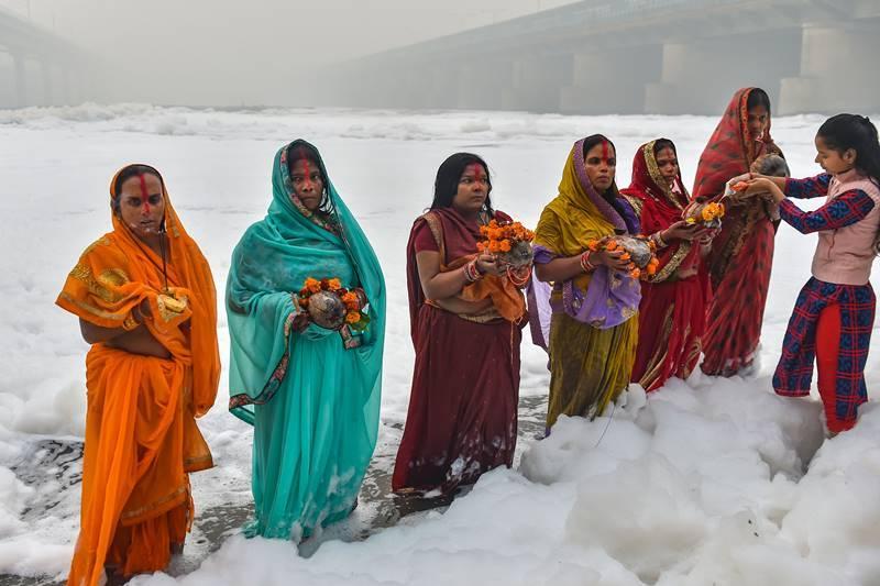 Chhat Puja in toxic foam